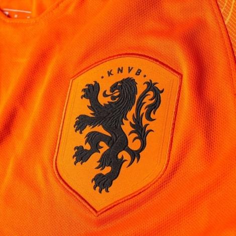 Домашняя футбольная форма сборной Голландии 2019-2020 футболка герб сборной