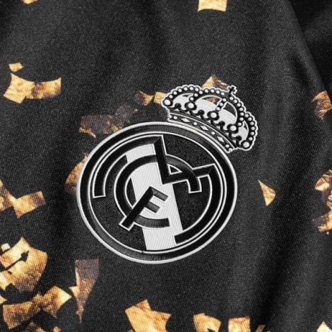 Детская четвертая футбольная форма Реал Мадрид 2019-2020 футболка герб клуба