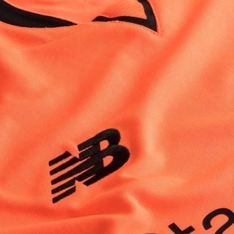 Третья игровая футболка Ливерпуля 2017-2018 лого бренда