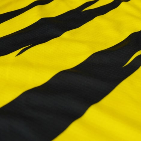 Комплект взрослой домашней формы Боруссии Дортмунд 2020-2021 футболка шорты и гетры материал