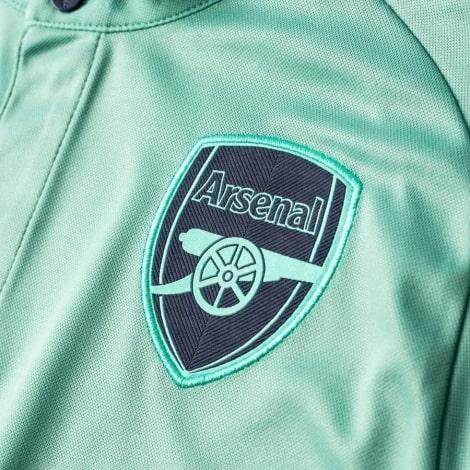 Третья игровая футболка Арсенала 2018-2019 герб клуба