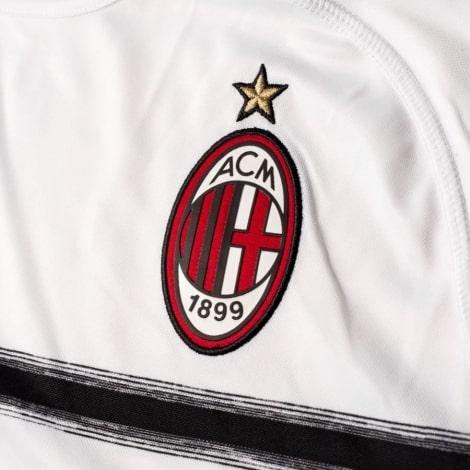 Детская гостевая футболка формы Милана 2018-2019 герб клуба