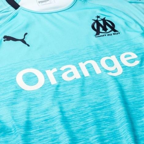 Третья игровая футболка Марселя 2018-2019 вблизи