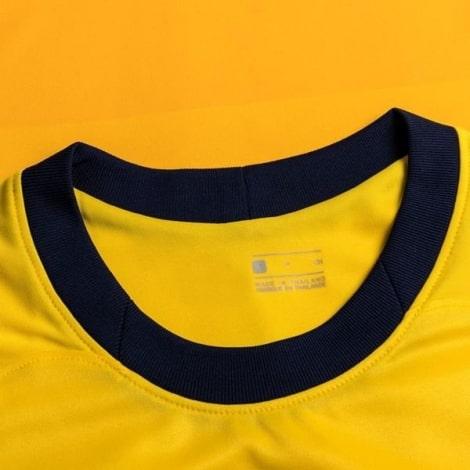 Взрослая третья футбольная форма Баварии 2018-2019 футболка воротник