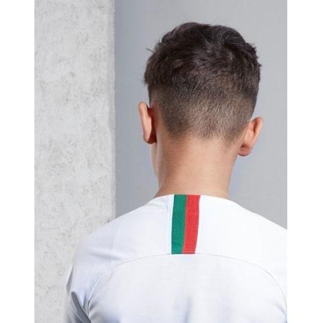 Детский комплект гостевой футбольной формы Португалии на ЧМ 2018 сзади вблизи