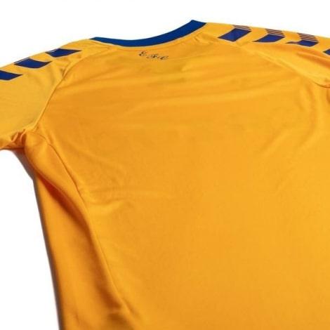 Синяя гостевая футболка сборной Бразилии на ЧМ 2018