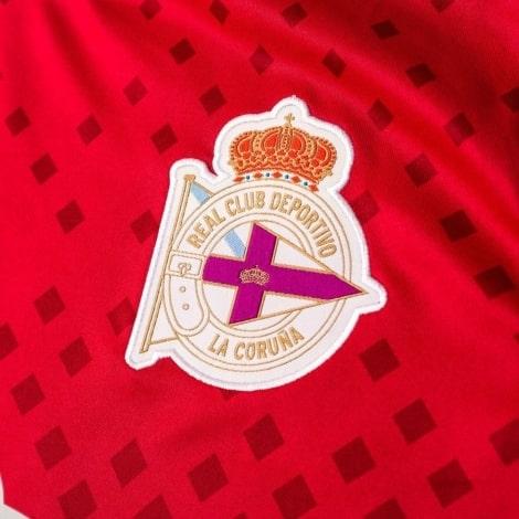 Гостевая игровая футболка Депортиво 2018-2019 герб клуба