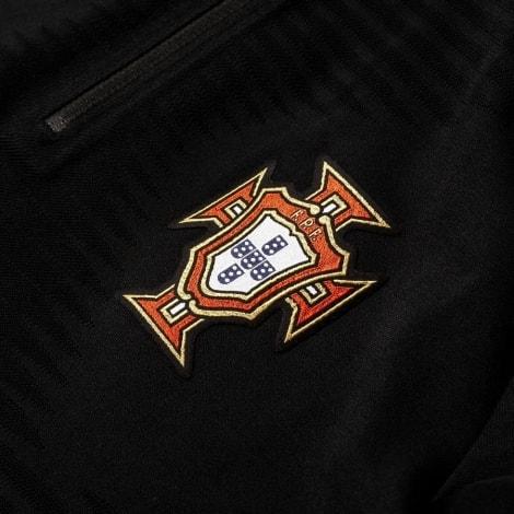 Спортивный костюм сборной Португалии по футболу 2018 герь сборной