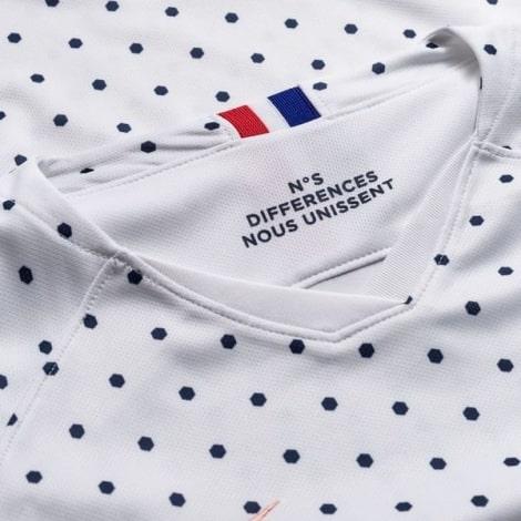 Женская гостевая футболка сборной Франции на ЕВРО 2020 воротник