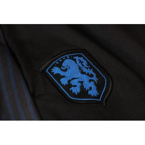 Черный костюм сборной Голландии по футболу 2020-2021 герб сборной