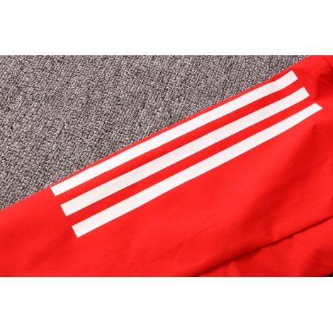 Красно-черный спортивный костюм Баварии 2021-2022 рукав
