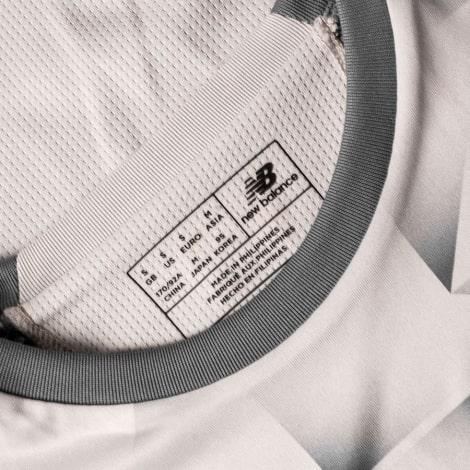 Женская третья футболка Ливерпуля 2018-2019 воротник
