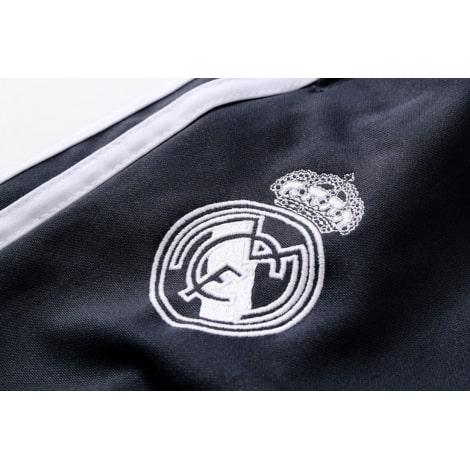 Взрослый бело-черный костюм Реал Мадрид 18-19 герб клуба на штанах