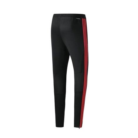 Тренировочный костюм сборной Испании по футболу 2018 штаны сзади