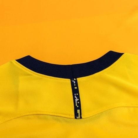 Комплект детской третьей формы Тоттенхэма Бейл 2020-2021 футболка воротник сзади