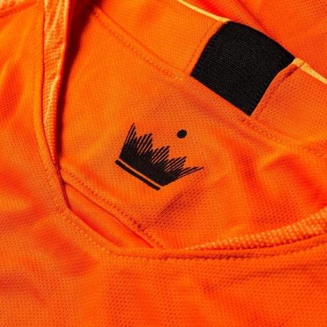 Домашняя футбольная форма сборной Голландии 2019-2020 футболка воротник