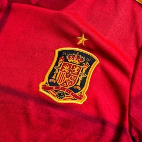 Футболка сборной Испании на ЕВРО 2020 Серхио Рамос номер 15 герб сборной