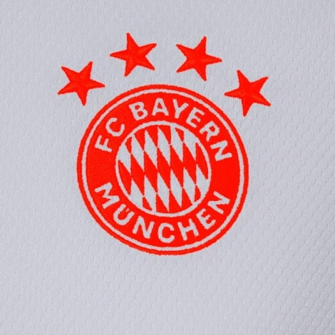 Комплект взрослой гостевой формы Баварии 2020-2021 футболка герб клуба