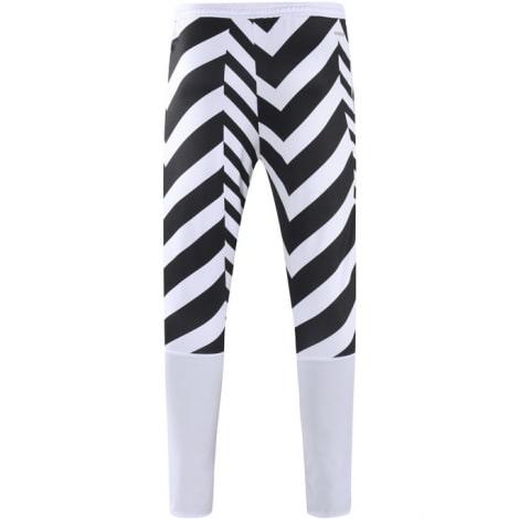 Черно-белый костюм Манчестер Юнайтед 2021-2022 штаны сзади