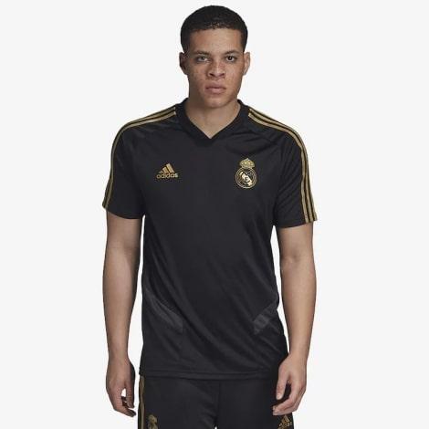 Тренировочная черно-золотая футболка Реал Мадрид 19-20 на человеке