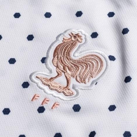 Женская гостевая футболка сборной Франции на ЕВРО 2020 герб сборной