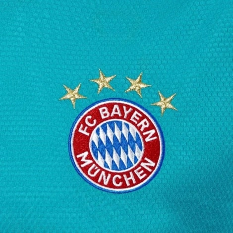 Домашняя вратарская форма Баварии 2020-2021 футболка герб клуба