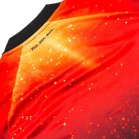 Солнечная футболка Баварии 2018-2019 сзади
