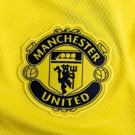 Вратарская гостевая футболка Манчестер Юнайтед 2020-2021 герб клуба