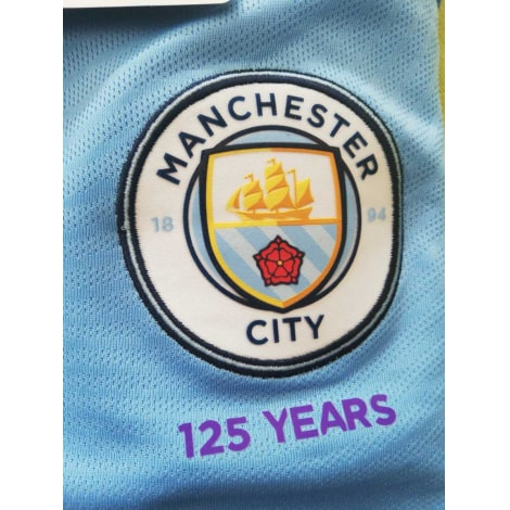 Взрослая домашняя форма Манчестер Сити 2019-2020 герб клуба