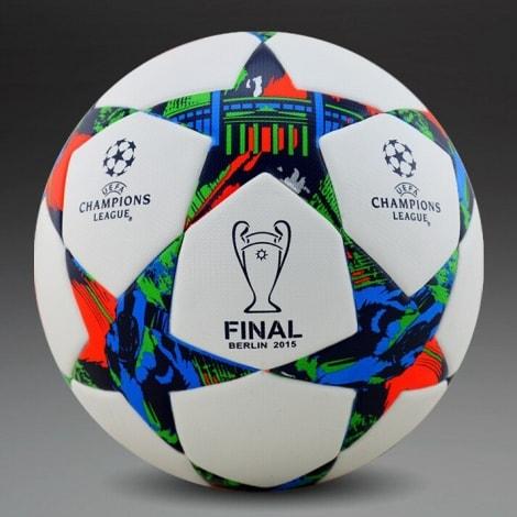 Мяч Лиги Чемпионов по футболу 2014-2015 финал в Берлине