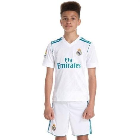 Детская домашняя футбольная форма Реал Мадрид 2017-2018 на мальчике