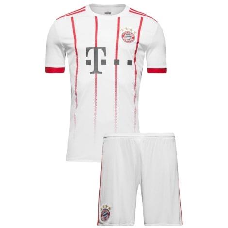 Третья футбольная форма Баварии 2017-2018 футболка и шорты