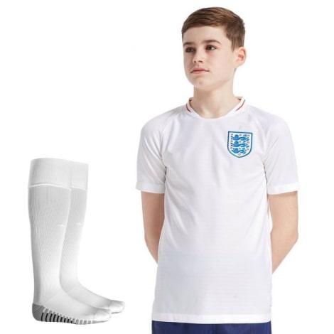 Детская домашняя футбольная форма Англии на ЧМ 2018 футболка шорыт и гетры