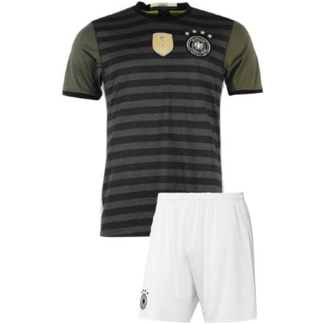 Гостевая футбольная форма сборной Германии 2016-2018