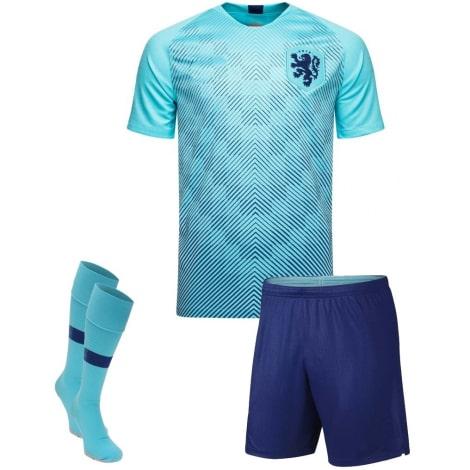 Гостевая футбольная форма сборной Голландии 2019-2020 футболка шорыт и гтеры