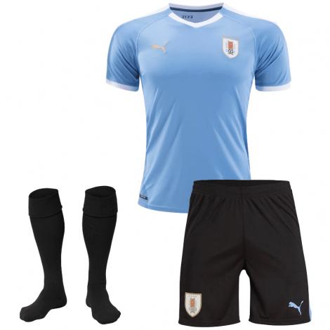 Домашняя футбольная форма Уругвая 2019-2020 футболка шорты и гетры