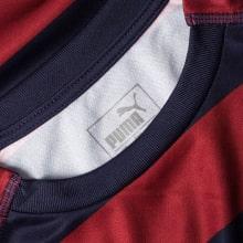 Гостевая игровая футболка Ньюкасл Юнайтед 2018-2019 воротник