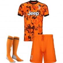 Детская третья футбольная форма Ювентуса 2020-2021 футболка шорыт и гетры