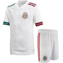 Гостевая футбольная форма Мексики 2020-2021