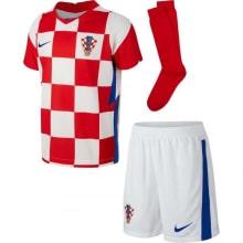 Домашняя футбольная форма Хорватии на ЕВРО 2020-21