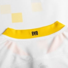 Комплект детской третьей формы Боруссии 2020-2021 футболка воротник сзади