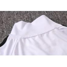 Черно-белый спортивный костюм Ювентуса 2021-2022 воротник сзади