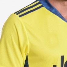 Вратарская домашняя футболка Ювентуса 2020-2021 бренд