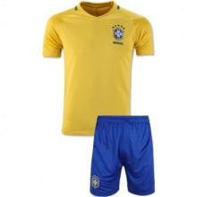 Домашняя футбольная форма сборной Бразилии 2016-2018