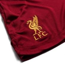 Детская домашняя футбольная форма Салах 2019-2020 шорты герб клуба