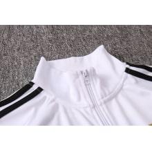 Черно-белый спортивный костюм Ювентуса 2021-2022 воротник