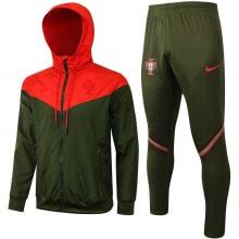 Красно-зеленый костюм сборной Португалии по футболу 2021-2022