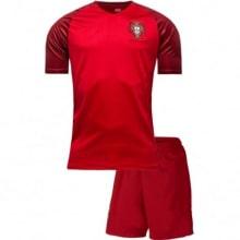 Домашняя футбольная форма сборной Португалии 2016-2018