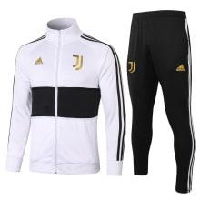 Черно-белый спортивный костюм Ювентуса 2021-2022