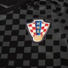Гостевая футбольная форма Хорватии на ЕВРО 2020-21 футболка герб сборной